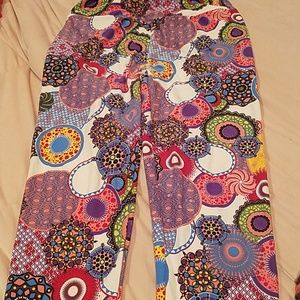 "LulaRoe Colorful Geometric Leggings 28"" w x 27"" i"